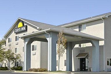 Days Inn & Suites